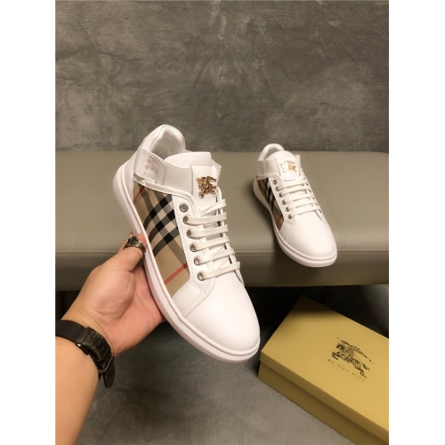 Burberry Casual Shoes For Men #752185