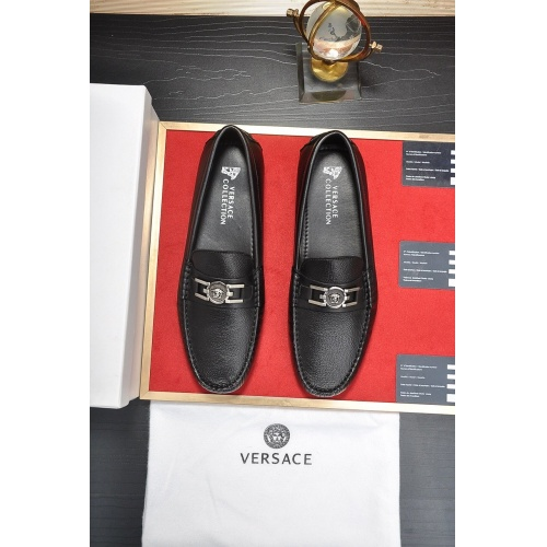 Versace Casual Shoes For Men #752261