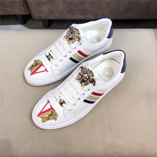 Versace Casual Shoes For Men #752279