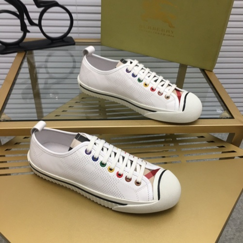 Burberry Casual Shoes For Men #752803
