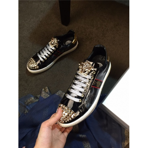 Versace Casual Shoes For Men #752944