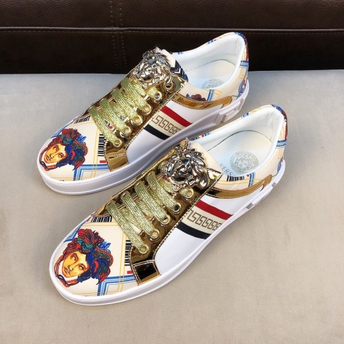 Versace Casual Shoes For Men #753708