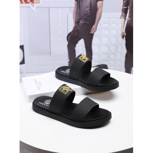 Versace Slippers For Men #753833