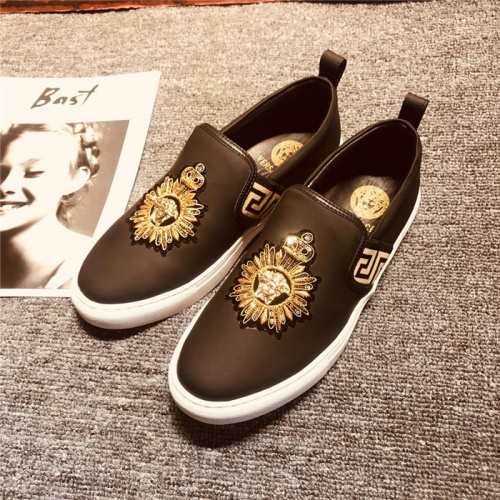 Versace Casual Shoes For Men #754335
