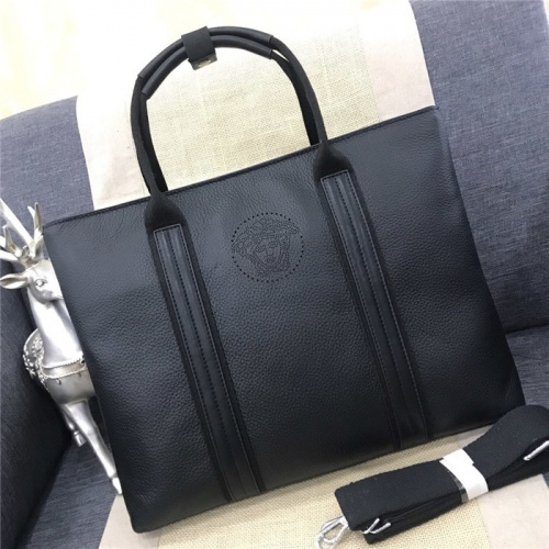 Versace AAA Man Handbags For Men #754542