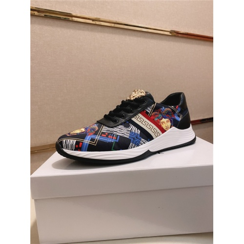 Versace Casual Shoes For Men #755503