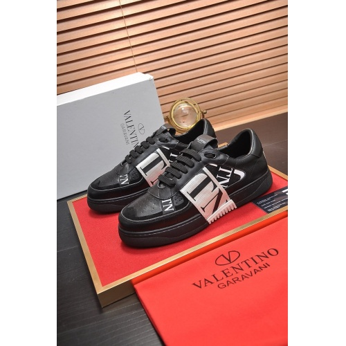 Valentino Casual Shoes For Men #755581