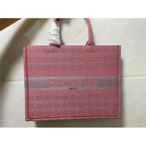 Christian Dior AAA Quality Handbags #755737