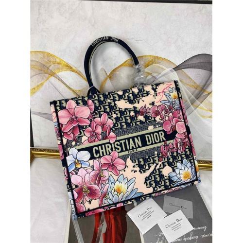 Christian Dior AAA Quality Handbags #755747