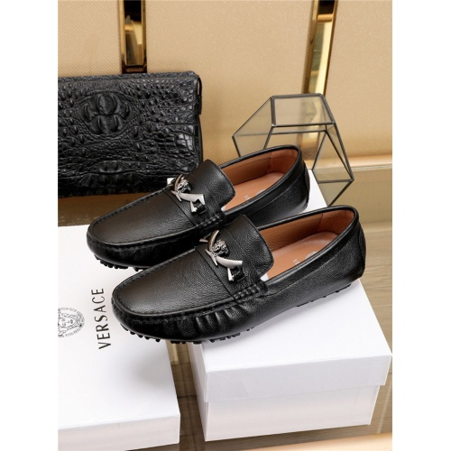 Versace Casual Shoes For Men #756121