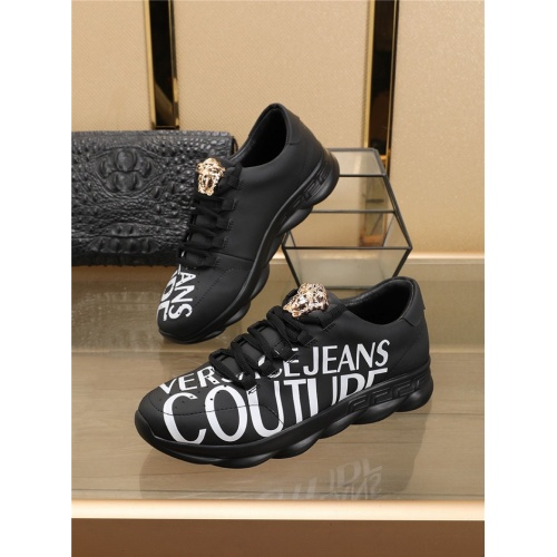 Versace Casual Shoes For Men #756266