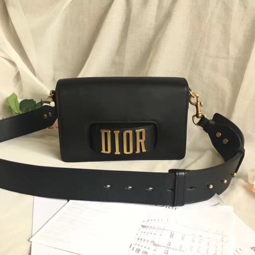 Christian Dior AAA Quality Messenger Bags For Women #757109