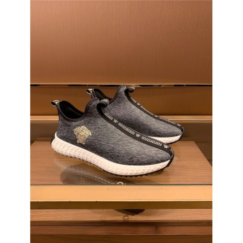 Versace Casual Shoes For Men #757121