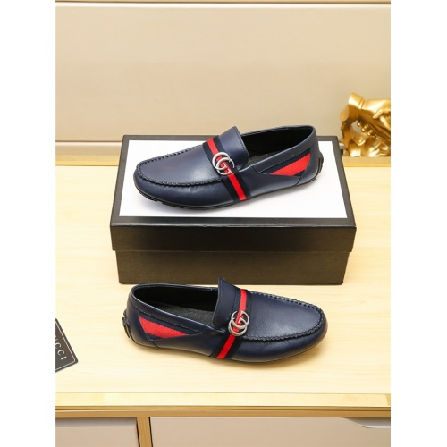 Versace Casual Shoes For Men #757181