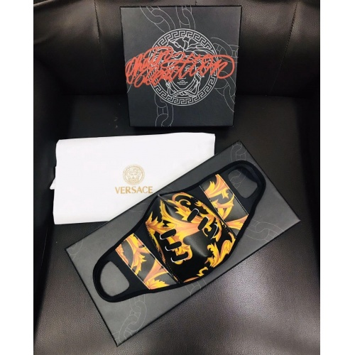 Versace Fashion Mask #757650