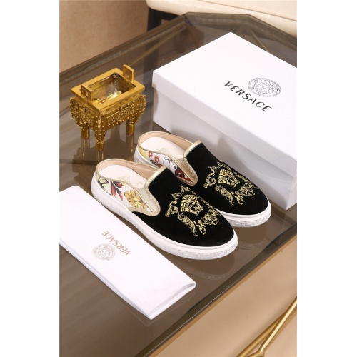 Versace Casual Shoes For Men #757951
