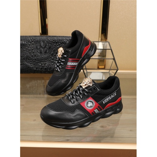Versace Casual Shoes For Men #758521