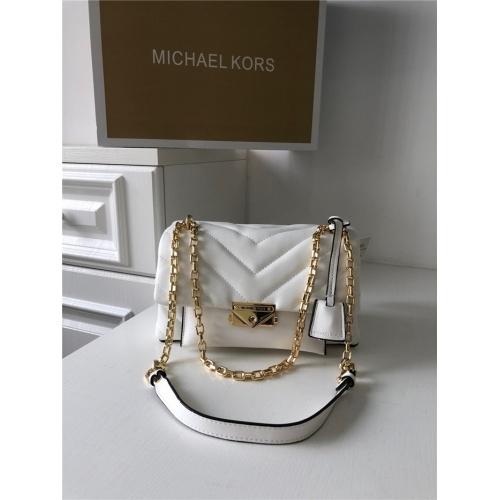 Michael Kors AAA Quality Messenger Bags For Women #758609