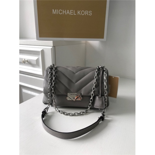 Michael Kors AAA Quality Messenger Bags For Women #758614
