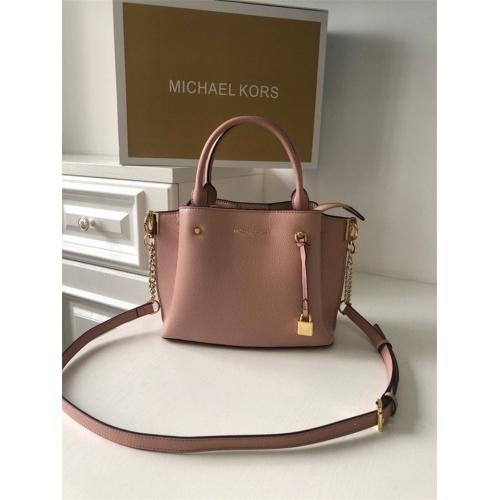 Michael Kors AAA Quality Messenger Bags For Women #758623