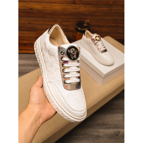 Versace Casual Shoes For Men #758728