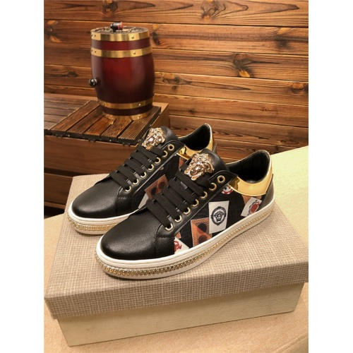 Versace Casual Shoes For Men #758729