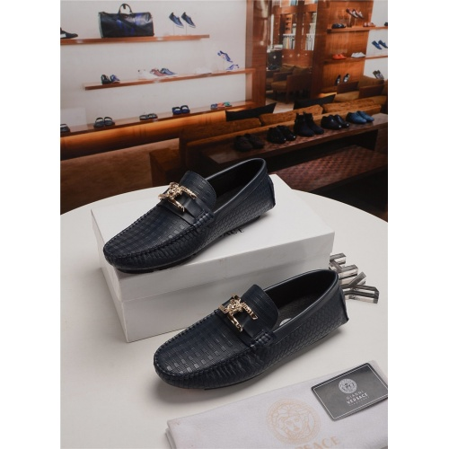 Versace Casual Shoes For Men #758773