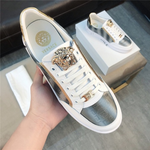 Versace Casual Shoes For Men #758775