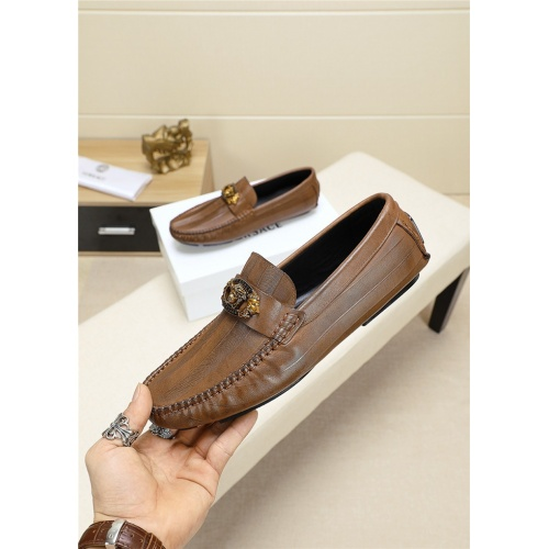 Versace Casual Shoes For Men #759596