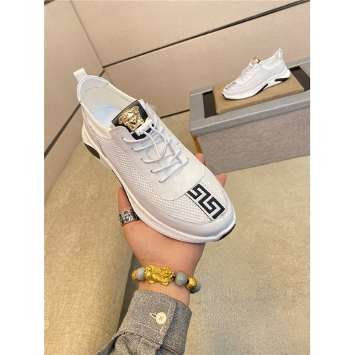 Versace Casual Shoes For Men #760311
