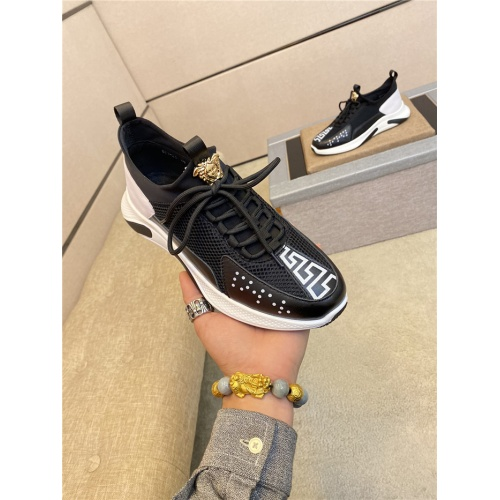 Versace Casual Shoes For Men #760313