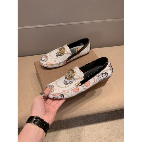 Versace Casual Shoes For Men #760334