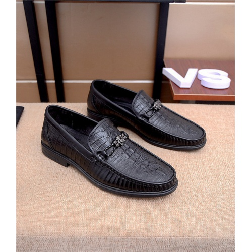 Versace Leather Shoes For Men #761606