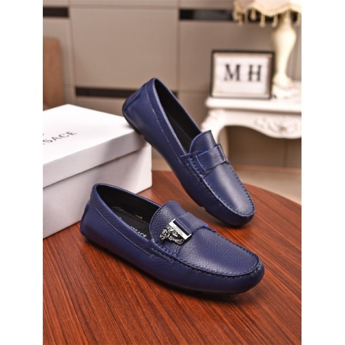 Versace Casual Shoes For Men #761642