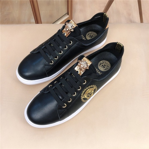 Versace Casual Shoes For Men #761914