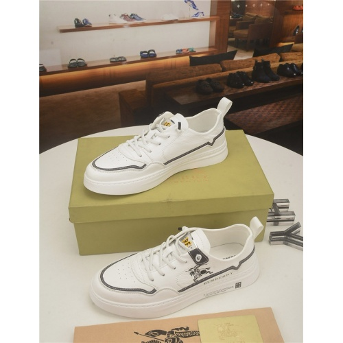 Burberry Casual Shoes For Men #761924