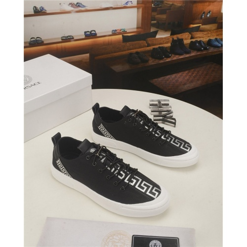 Versace Casual Shoes For Men #761948