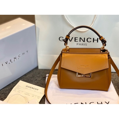 Givenchy AAA Quality Messenger Bags #762219