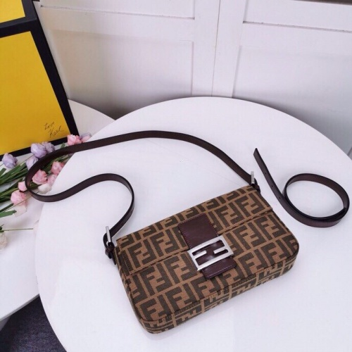 Fendi AAA Quality Messenger Bags For Women #762328