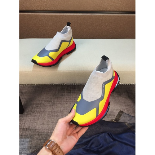 Givenchy Casual Shoes For Men #762997
