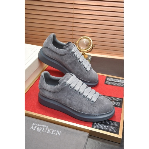 Alexander McQueen Casual Shoes For Men #763345