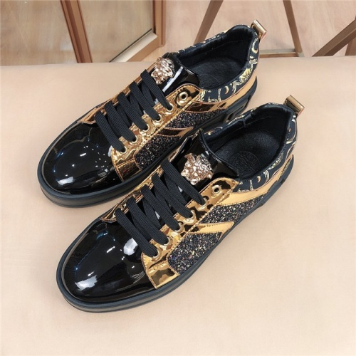 Versace Casual Shoes For Men #763532