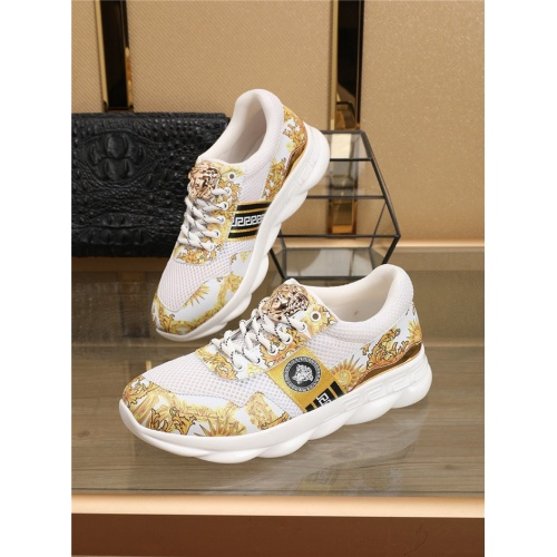 Versace Casual Shoes For Men #763747