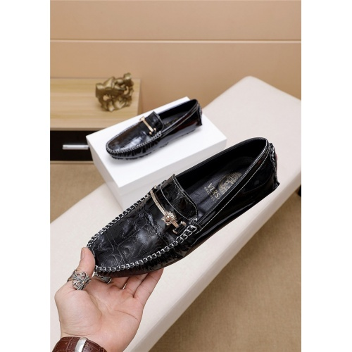 Versace Casual Shoes For Men #763983