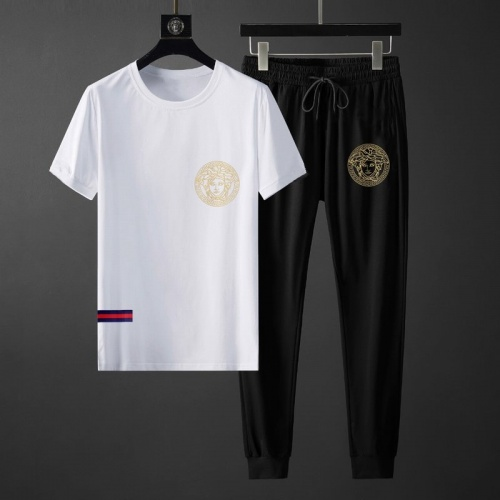 Versace Tracksuits Short Sleeved O-Neck For Men #764812