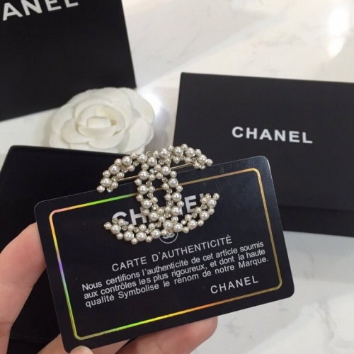 Chanel Brooches #764998