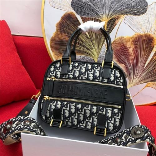 Christian Dior AAA Quality Handbags For Women #765423