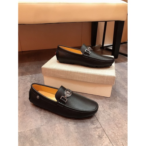Versace Casual Shoes For Men #765948