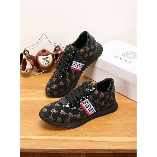 Versace Casual Shoes For Men #767795