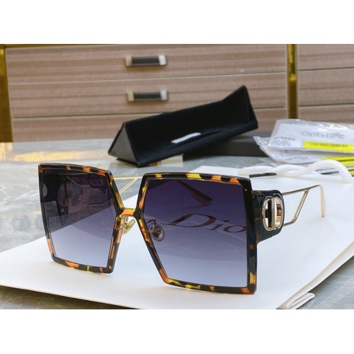 Christian Dior AAA Quality Sunglasses #768030